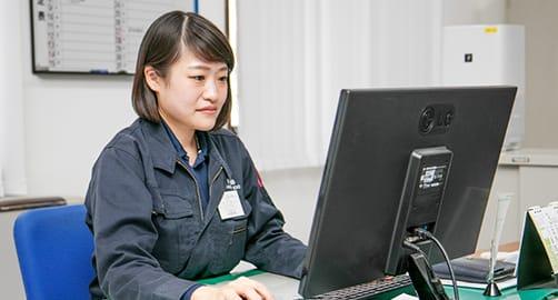 川嶋 愛美   Manami Kawashima 総務グループ 2015年入社
